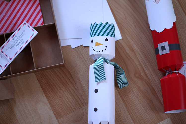 Make Your Own Christmas Crackers Wunderhaftig