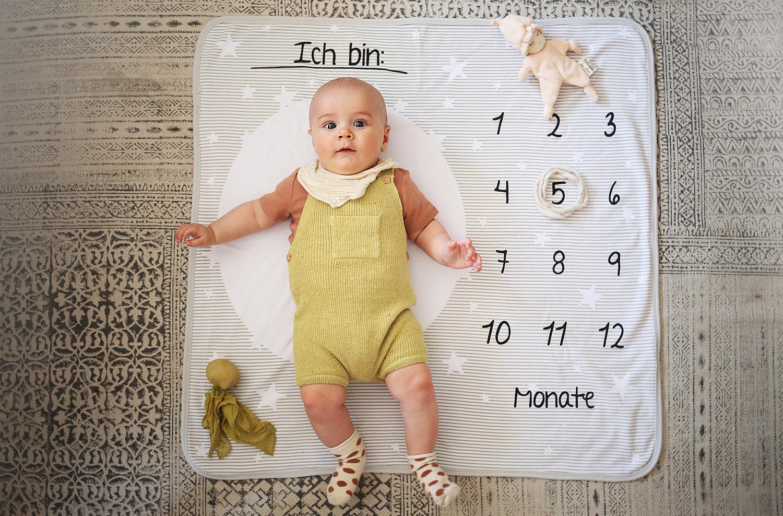 Baby Dreht Kopf Hin Und Her