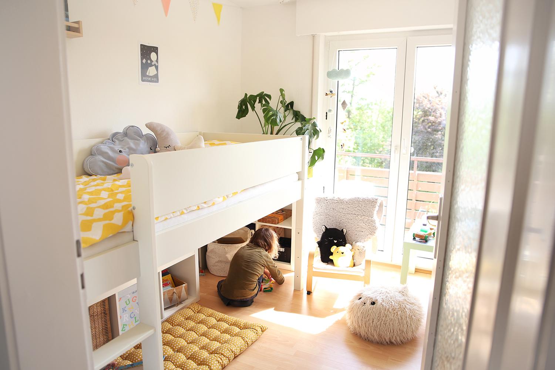 Etagenbett Für Kleine Zimmer : Kinderzimmer room tour einblicke in das reich der jungs wunderhaftig